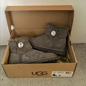 b18ed9909c2 Ugg Bailey Button Bling Boot - Rare and Like New!